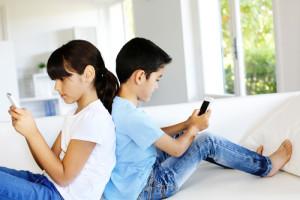 Droge ogen bij kinderen door de smartphone